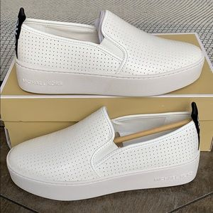 MICHAEL KORS TRDDI SLIP ON NAPPA PU PRRF OPTIC WHT